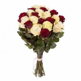 21 роза микс красных и белых