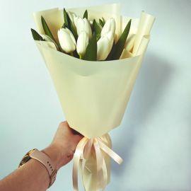 Белые тюльпаны 9