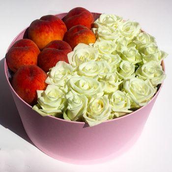 Розы и персики